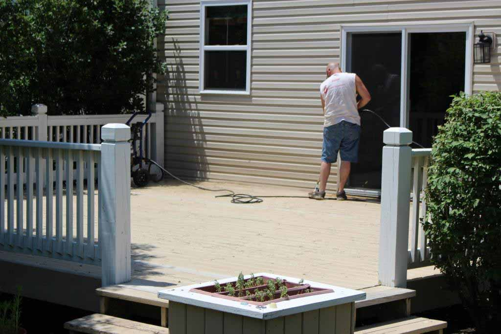 Properly Power washing a Deck prior to Refinishing